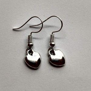 5/$20 Cute solid dangle heart earrings